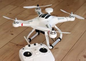 videos feitos com drones drones Legislação para o uso de drones quadrocopter 1033642 19201 300x213