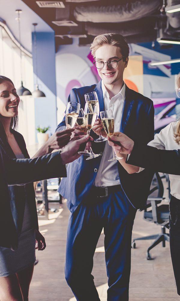 evento corporativo eventos Quatro formas de maximizar eventos para desenvolver o seu negócio maximizar eventos 600x1001