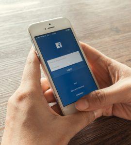 """O Facebook abandonou o slogan """"É grátis e sempre será"""". Será que vai ser pago?"""