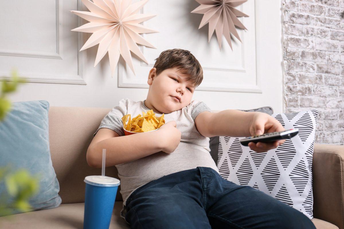 criancas crianças Sim, a publicidade para crianças vai mesmo sofrer restrições! crian  as 1200x800