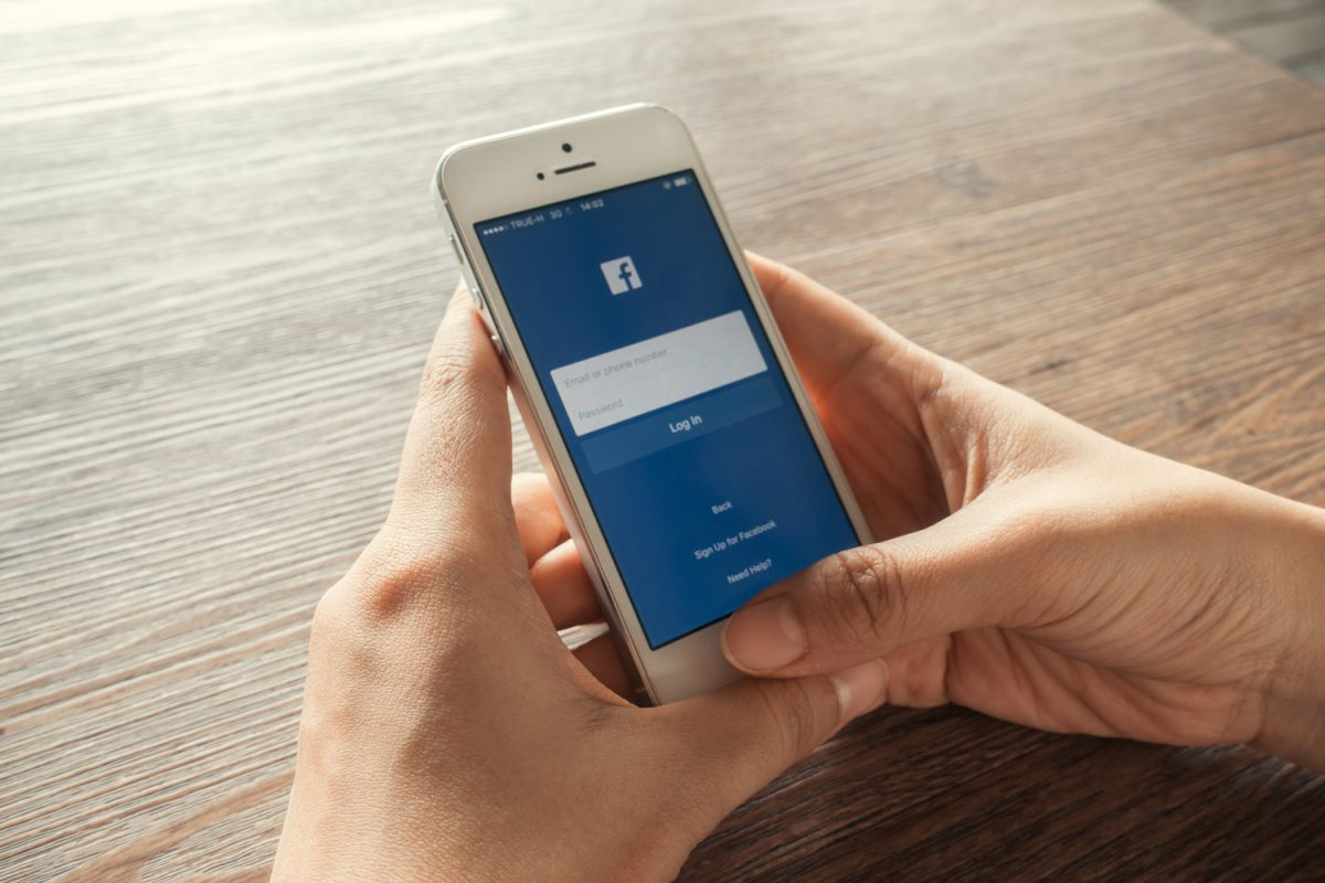 """facebook facebook O Facebook abandonou o slogan """"É grátis e sempre será"""". Será que vai ser pago? facebook 1200x800"""